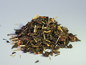 A bunch of dry green tea with flavors