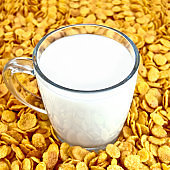 Milk with corn flakes
