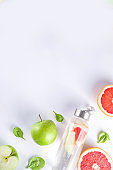 Detox water with grapefruit and apple