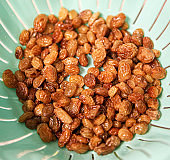 Image of raisins (aka sultanas). The natural sugars in grapes crystallize during drying