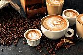 Pour latte art motives in espresso cups