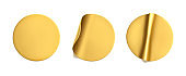 Gold round crumpled stickers with peeling corner mock up set. Adhesive golden foil or plastic sticker label with wrinkled effect on white background. Blank template label tags. 3d realistic vector
