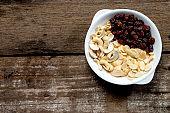 RAW almond slice raisin Cashew nuts