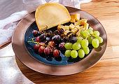 Gouda Cheese Grape Platter