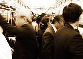 직장인 도시생활 출퇴근길 지하철 러시아워