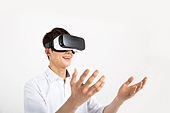 It became completely VR devices Holic