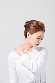 Korean, office worker, woman, pain