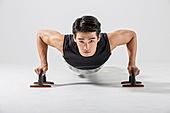 한국인, 웨이트트레이닝 (근육강화운동), 근육질 (Human Build), 팔굽혀펴기 (근육강화운동)