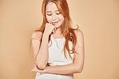 한국인, 여성 (성별), 눈감음 (정지활동), 미소