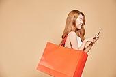한국인, 여성 (성별), 쇼핑, 모바일결제 (금융아이템)