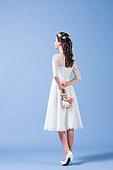 한국인, 여성, 신부 (결혼식역할), 결혼, 웨딩드레스 (드레스), 행복, 부케, 뒷모습