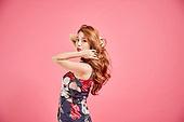 한국인, 여성, 유색배경, 패션, 헤어스타일, 무표정, 머리넘김