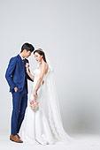 한국인, 결혼, 신랑, 신부 (결혼식역할), 웨딩드레스 (드레스), 결혼식, 부케, 포옹
