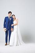 한국인, 결혼, 신랑, 신부 (결혼식역할), 웨딩드레스 (드레스), 결혼식, 부케, 행복, 손잡기