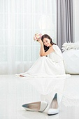 한국인, 신부 (결혼식역할), 결혼 (사건), 눈감음 (정지활동), 대만족 (컨셉), 미소