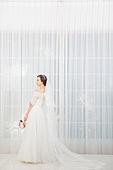한국인, 신부 (결혼식역할), 웨딩드레스, 부케, 미소, 대만족 (컨셉)