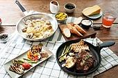 쇠고기 (붉은고기), 스테이크, 육류 (음식), 음식, 프라이팬 (냄비), 파스타, 봉골레 (스파게티)