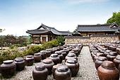 건축, 전통문화 (주제), 한옥 (한국전통), 오래됨, 항아리, 장독 (한국전통)