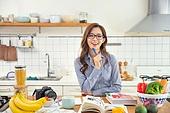한국인, 여성, 부엌, 요리하기 (음식준비), 음식준비, 요리사, 푸드스타일리스트