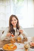 한국인, 여성 (성별), 디톡스, 차 (뜨거운음료), 레몬차, 싱글라이프 (주제), 애프터눈티 (식사), 미소