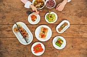 식사, 음식, 한국음식 (아시아음식), 고등어구이, 식탁, 사람손 (몸), 밥 (음식), 혼밥, 탑앵글