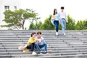 한국인, 대학생, 캠퍼스 (대학교), 계단, 앉기 (몸의 자세), 커플