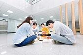 한국인, 대학생, 대학교, 공부 (움직이는활동), 토론, 대화, 미소