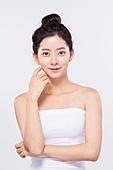 뷰티, 포즈 (몸의 자세), 깨끗함 (좋은상태), 미녀 (아름다운사람), 얼굴 (사람머리), 한국인, 아름다움