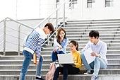 한국인, 대학생, 대학교, 캠퍼스 (대학교), 계단, 공부, 토론, 대화, 미소