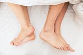 맨발 (물체묘사), 사람발 (몸), 커플 (인간관계), 부부, 커뮤니케이션문제 (커뮤니케이션)