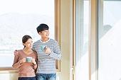 한국인, 부부, 커플, 신혼부부 (부부), 이사, 미소, 상자 (용기), 커피 (뜨거운음료), 휴식
