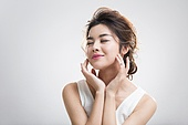 Portrait of beautiful young Chinese woman