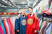 외국인, 백인, 한복, 상점, 코스튬 (가장), 옷가게 (가게), 어깨동무