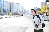 외국인, 남성, 여행자 (역할), 관광, 택시, 손짓