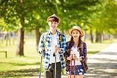 한국인, 여성, 남성, 커플 (인간관계), 하이킹 (아웃도어), 걷기, 산책길 (보행로), 휴식, 여유로운주말 (레저활동), 미소