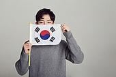 한국인, 십대 (인간의나이), 학생, 남학생, 태극기, 환호 (말하기), 2018평창동계올림픽 (동계올림픽), 대한민국 (한국), 태극기 (국기)