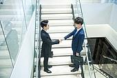 계단, 회사건물, 연결 (컨셉), 악수, 미소