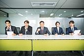 한국인, 인터뷰 (사건), 면접관, 채용 (고용문제), 구직 (실업), 비즈니스, 불만, 질문하는 (대화), 걱정 (어두운표정)