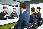 한국인, 인터뷰 (사건), 면접관, 채용 (고용문제), 구직 (실업), 비즈니스, 질문하는 (대화), 응시 (감각사용), 긴장감, 미소, 만족