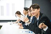 한국인, 비즈니스, 회의실, 화이트칼라 (전문직), 비즈니스미팅, 프로젝트, 프리젠테이션 (연설), 설명, 비즈니스맨, 남성, 미소