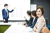 한국인, 비즈니스, 회의실, 화이트칼라 (전문직), 비즈니스미팅, 프로젝트, 프리젠테이션 (연설), 설명, 여성, 미소