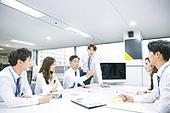 한국인, 남성, 여성, 사무실 (업무현장), 비즈니스, 비즈니스미팅 (미팅), 회의실, 토론, 동료 (역할), 팀워크 (협력)