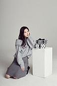 한국인, 여성, 스웨터 (상의), 겨울, 뷰티, 선물 (인조물건), 선물상자