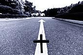 십자가,부활절,고난주간,사순절,나무십자가,도로,이정표,화살표