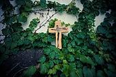 십자가,부활절,고난주간,사순절,나무십자가,나뭇잎,담