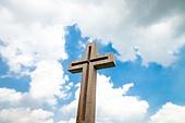 십자가,부활절,고난주간,사순절,나무십자가,하늘,구름,파랑,햇빛