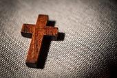 십자가,부활절,고난주간,사순절,나무십자가,빛,어둠