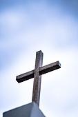 십자가,부활절,고난주간,사순절,교회,예배당,첨탑,하늘,구름,파랑,세월,흔적