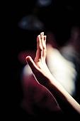 십자가,부활절,고난주간,사순절,경배,손,워십,찬양,예배