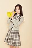 한국인, 여성, 고등학생, 교복, 메가폰 (정보장비), 고함 (말하기), 미소